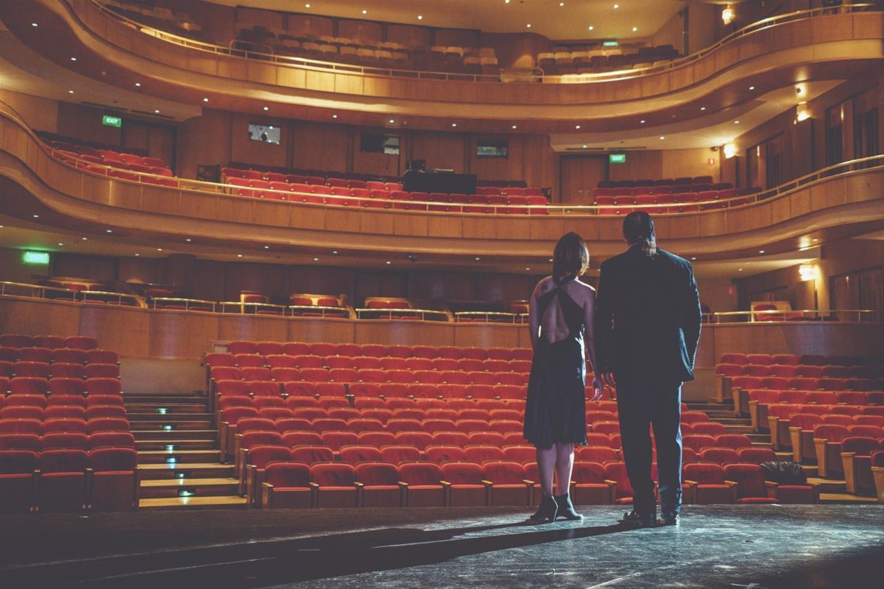 f270ae47e89 ... μαζί με παραστάσεις του Piccolo Teatro του Μιλάνου, του Célestins  Théâtre της Λυόν, του Εθνικού Θεάτρου της Αθήνας, του Εθνικού Θεάτρου  Καταλονίας της ...